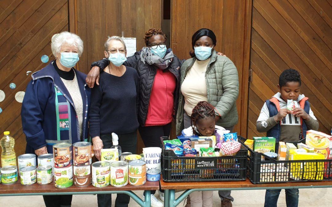 Distribution alimentaire à l'église d'Aytré